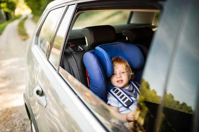 wann darf kind ohne kindersitz fahren